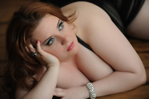 boidoir-photography-plus-size-model-real-people