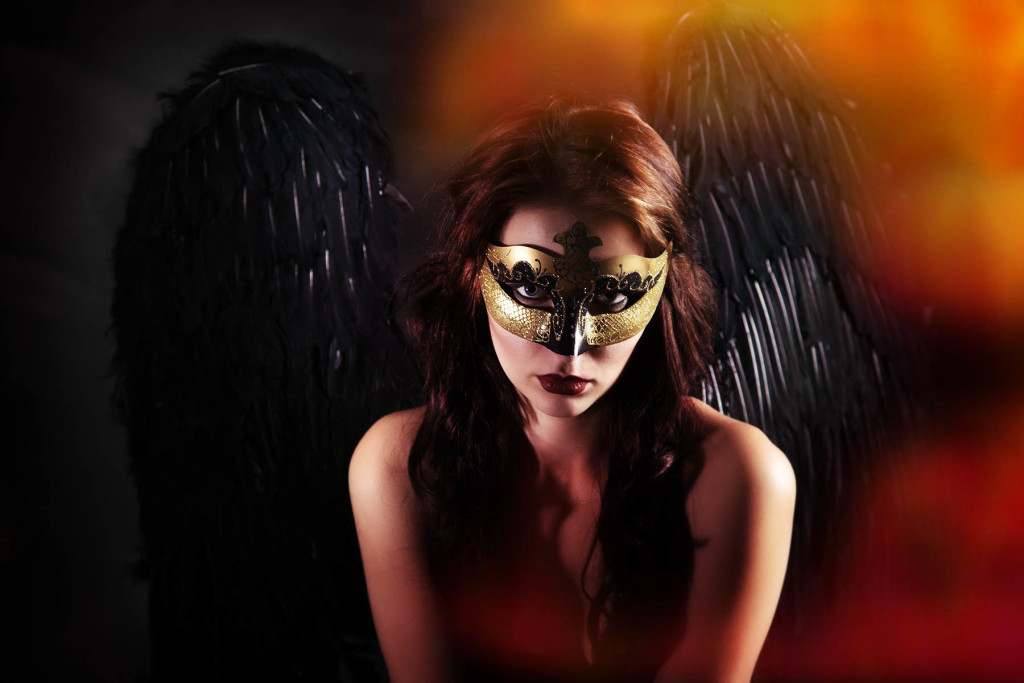 dark-angel-boudoir-session