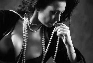 Boudoir Photography- Sizzle in the Studio – Kerry Allan